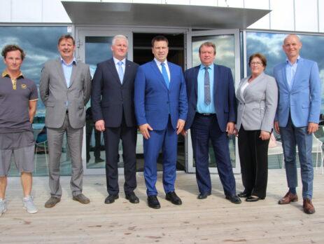 Vasakult Joel Pärle, Taavi Aas, Aivar Lainjärv, Jüri Ratas, Andres Vään, Ülle Rosin ja Margus Möldri. Foto Raimo Metsamärt.