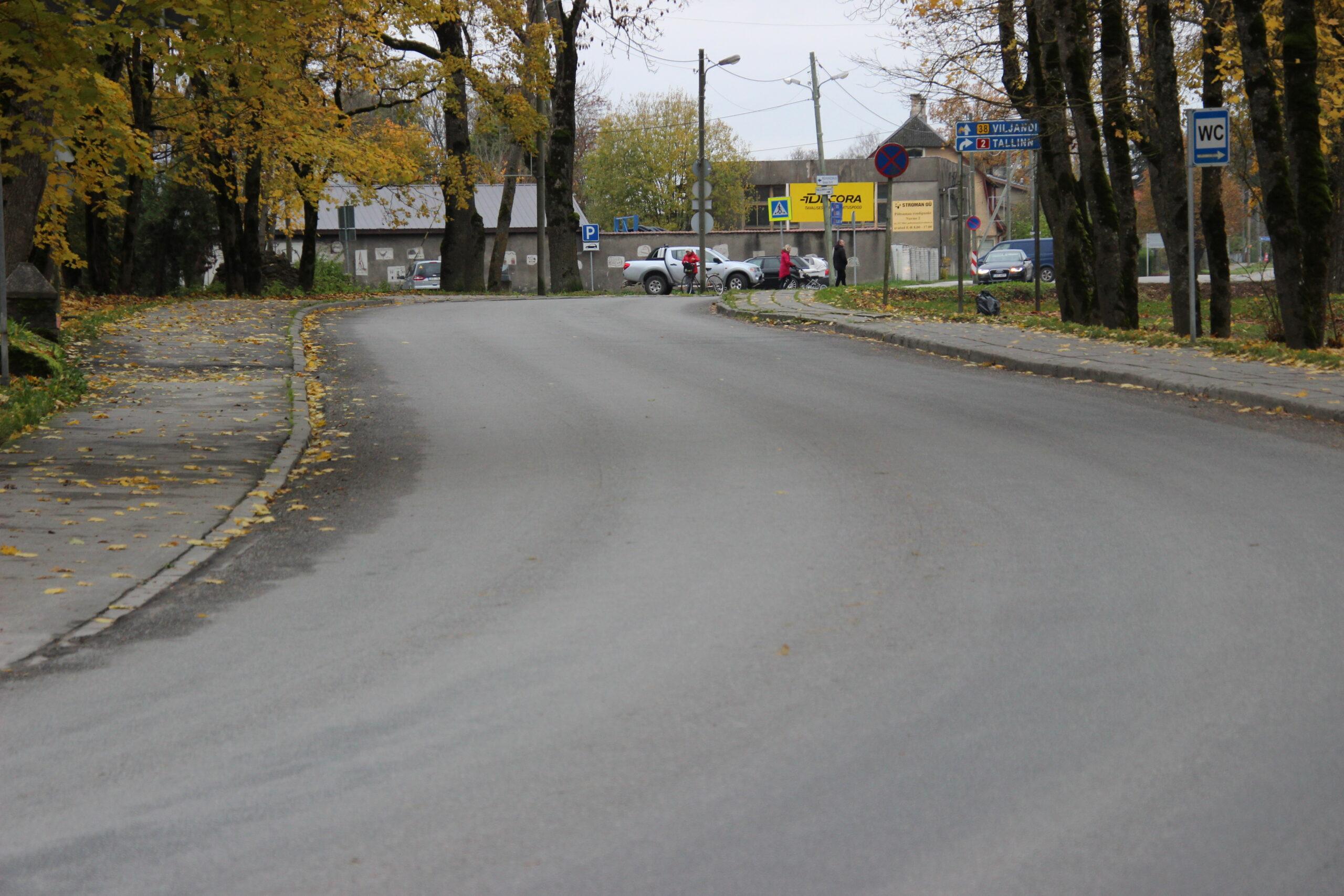 See teelõik saab uuel aastal korda transiitteede meetmest. Foto Raimo Metsamärt.