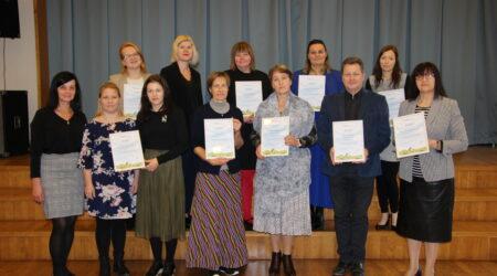 Põltsamaa valla tunnustusesaajad ühispildil. Foto Raimo Metsamärt.